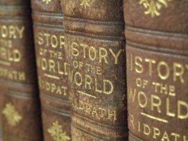 579240-closeup-imagen-de-una-hilera-de-viejos-libros-de-historia